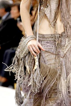 Сумки весна-лето 2011 были представлены на модном показе от Roberto.